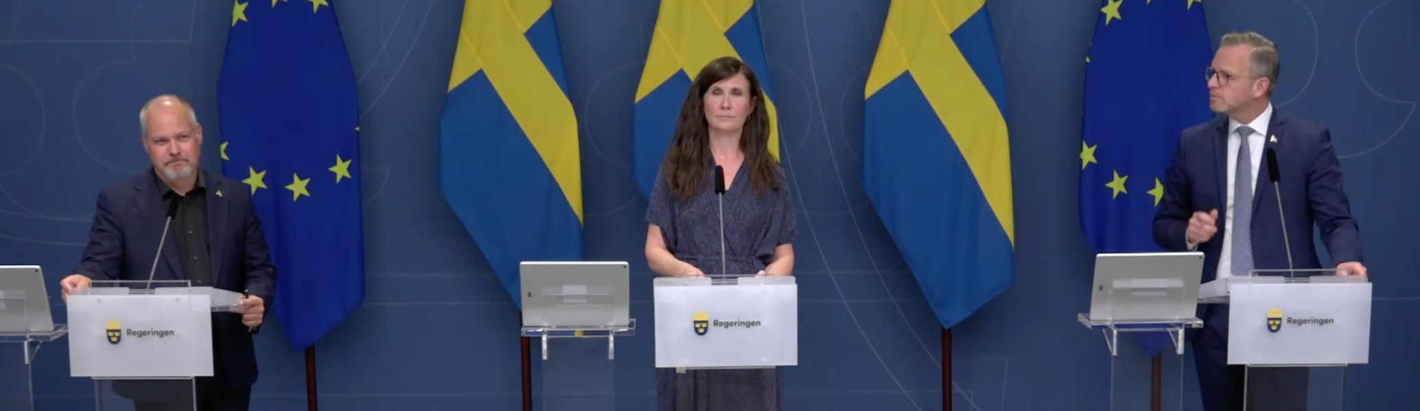 Ministertrion Morgan Johansson (S), Märta Stenevi (MP) och Mikael Damberg (S) omfattande åtgärdspaketet för att mäns våld mot kvinnor ska upphöra.