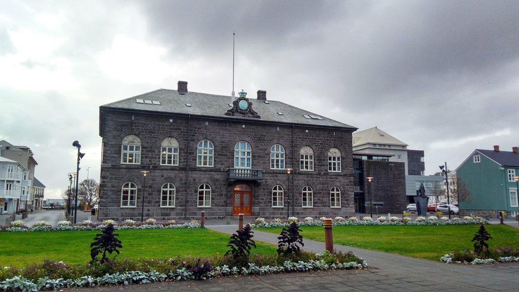 Alltinget är världens äldsta parlament och blir först i Europa med en majoritet kvinnor bland ledamöterna.