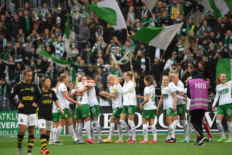 Hammarbyjubel vid slutsignal och seger med 4-1 i söndagens fotbollsmatch i damallsvenskan mellan Hammarby IF och AIK på Tele2 Arena.